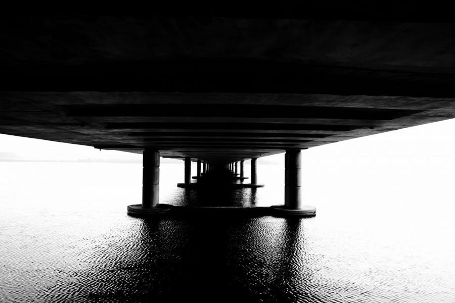 Image d'un pont au-dessus de l'eau